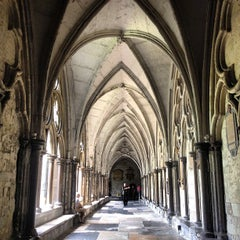 Photo taken at Westminster Abbey by Marcio C. on 7/10/2013