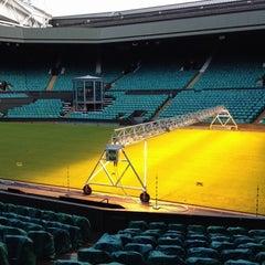 Das Foto wurde bei The All England Lawn Tennis Club von Mark C. am 11/13/2012 aufgenommen