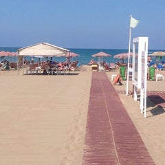 Photo taken at ILIOS beach hotel by Nikosp20 ✨ on 9/11/2014