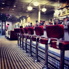 Photo taken at Johnny Rockets by Peter V. on 11/10/2013