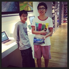 Photo taken at Infinite (Authorised Apple Retailer) by Mike C. on 6/1/2013
