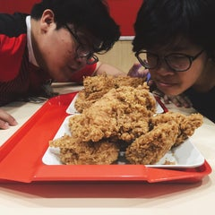 Photo taken at KFC by Thatchaphon S. on 5/28/2016