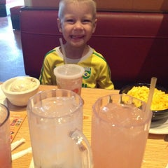 Photo taken at Chili's Grill & Bar by Cara Lynn T. on 7/16/2014