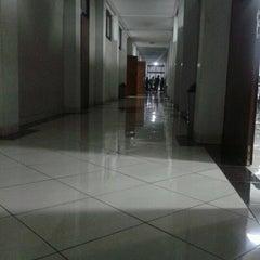 Photo taken at Gedung Ilmu Komputer (GIK) by Bebi H. on 12/6/2012