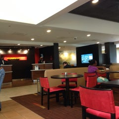 Photo taken at Courtyard by Marriott Airport West/ Doral by Paulo K. on 5/8/2014