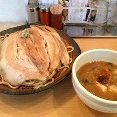 Photo taken at とろ肉つけ麺 魚とん by Akira M. on 7/25/2013