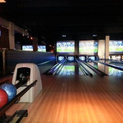 Photo taken at Lucky Strike Fort Worth by velisa c. on 7/14/2013