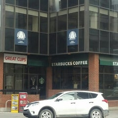 Photo taken at Starbucks by Vipul J. on 4/15/2016