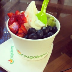 Photo taken at Yogoberry by Nataly E. on 1/4/2013