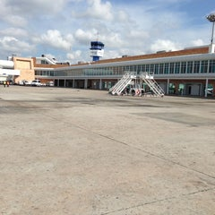 Photo taken at Aeropuerto Internacional De Cancún (CUN) by Tere™ on 5/17/2013