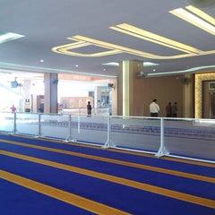 Photo taken at Masjid Jabal Arafah by Ahya Nunuy A. on 6/27/2013