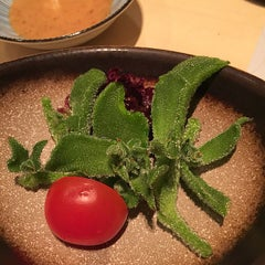 Photo taken at Sushi Shin 鮨辰日本料理 by Tina L. on 4/12/2015
