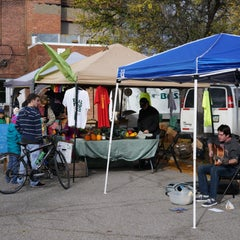 Photo taken at Oberlin Farmers Market by Edsel L. on 10/17/2015