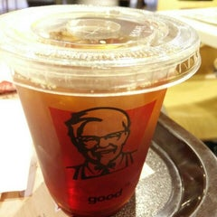 Photo taken at KFC 肯德基 by Oscar C. on 6/28/2015
