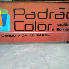 Photo taken at Padrão Color gráfica e editora by Eduardo L. on 9/20/2012