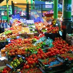 Photo taken at Borough Market by Arno V. on 4/11/2013