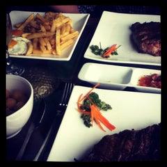 Photo taken at Restaurant Los Vikingos by Patho N. on 5/1/2013