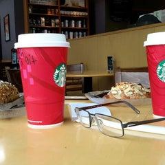 Photo taken at Starbucks by HERBALIFE C. on 1/3/2015