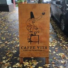 Photo taken at Caffe Vita by Sven on 10/25/2014
