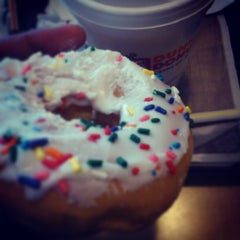 Photo taken at Dunkin' Donuts by Carlos V. on 4/17/2014