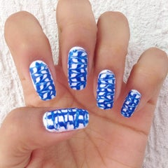 Photo taken at Luciana Manicure - Unhas Decoradas by Belle S. on 9/30/2014