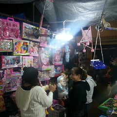 Photo taken at Tianguis Navideño by David Salvador R. on 12/16/2013