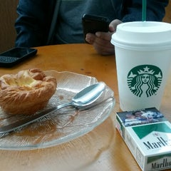 Photo taken at Starbucks by Chev Inyong I. on 1/11/2015