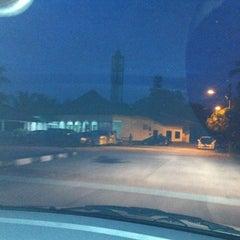 Photo taken at Surau Al-Madani Jalan 3 by Mohd Roslan A. on 9/26/2012