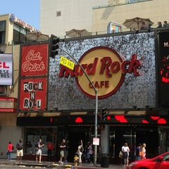 Photo taken at Hard Rock Cafe Hollywood by Biosbook Social Network w. on 6/30/2013