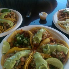 Photo taken at Iguanas Ranas Tacos and Beers by Paul T. on 2/6/2015