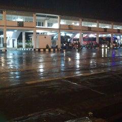 Photo taken at Terminal Purabaya (Bungurasih) by Ardian W. on 1/14/2013