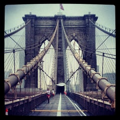 Photo taken at Brooklyn Bridge by Charlie O. on 9/3/2013
