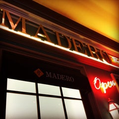 Photo taken at Madero Burger & Grill by Mariana M. on 11/28/2013