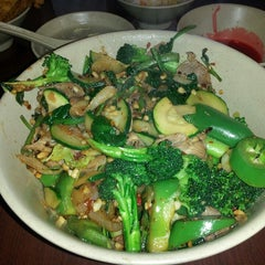 Photo taken at Sizzling Fresh Mongolian BBQ by SilverSurfer on 1/13/2014