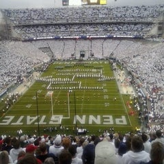 Photo taken at Beaver Stadium by Pedro D. on 10/27/2012