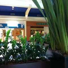 Photo taken at Starbucks by Tiago C. on 10/4/2012