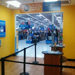 Photo taken at Walmart Supercenter by Robert B. on 11/24/2012