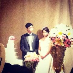 Photo taken at Four Seasons Hotel Singapore by KC L. on 11/10/2012
