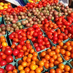 Photo taken at Hudson Farmers Market by Alissa W. on 8/17/2013