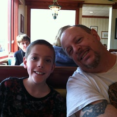 Photo taken at Friendly's Restaurant by Michele S. on 4/20/2013