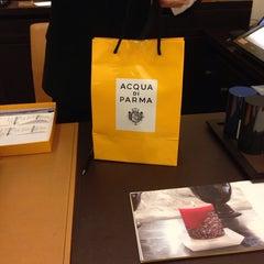 Photo taken at Boutique Acqua di Parma by Abdulaziz on 3/13/2014