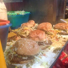 Photo taken at Hamburguesas al Carbón by Ruben H. on 7/19/2014