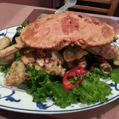 Photo taken at Hunan Home's Restaurant by Mike W. on 6/8/2013