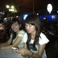 Photo taken at Kawasan Wisata Malam Jl. Jaksa by Ledopan on 10/6/2012