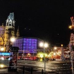 Photo taken at Weihnachtsmarkt an der Gedächtniskirche by Marcus F. on 12/10/2014