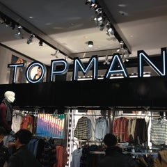 Photo taken at Topshop by Rodrigo J. on 11/23/2012