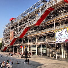 Photo taken at Centre Pompidou – Musée National d'Art Moderne by Rodrigo J. on 7/12/2013