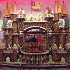 Photo taken at Sarris Candies by Chelsey V. on 12/14/2012