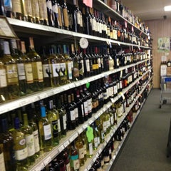 Photo taken at Lake Liquor Fine Wine & Liquor by Howard K. on 4/19/2013