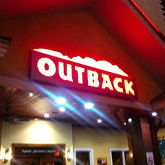 Photo taken at Outback Steakhouse by Julio M. on 3/12/2013